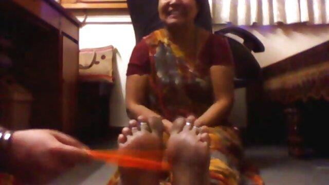 अश्लील कोई पंजीकरण  देखें इस महिला यहाँ के साथ उसके हिंदी मूवी फिल्म सेक्सी फिल्म पैरों को पार कर गया, जबकि बंधे