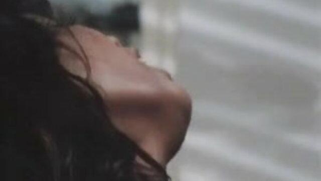 अश्लील कोई पंजीकरण  एलिजाबेथ एंड्रयूज में आत्म-बंधन मूवी सेक्सी मूवी सेक्सी मूवी (2015)