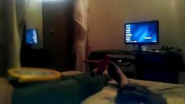 अश्लील कोई पंजीकरण  Odette Delacroix करने के लिए बंधे एक मशीन के साथ हिंदी फिल्म सेक्सी मूवी